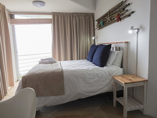Wilderness Beach Resort & Apartments: Room