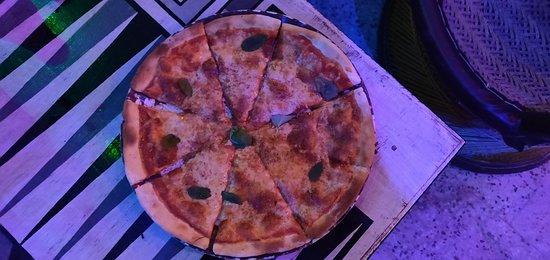 Nirvana cafe and pizzeria Foto