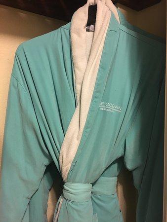 One Ocean Resort & Spa: Comfy robes