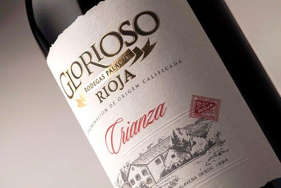 Enjoy Coffee Bar: Rioja Glorioso Crianza. Vino elaborado con 100% Tempranillo, graduación 14% Vol.