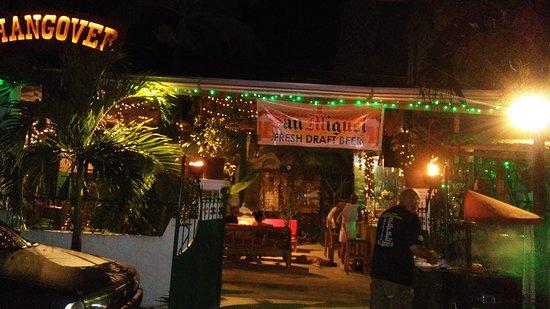Hangover Resto Bar: hangover night