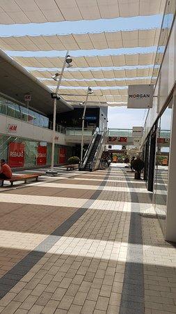 Très beau centre commercial