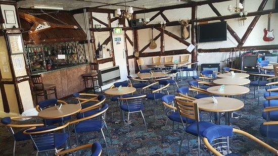 The Osborne Hotel: Bar/Lounge