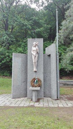 Monumento ai Caduti di Azzate