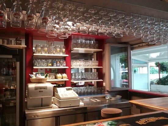 The George & Dragon: Bar