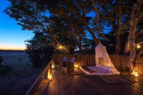 Wilderness Safaris Little Makalolo Camp: Madison Pan Star Bed