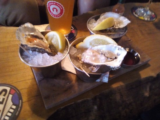 Stew & Oyster, Calls Landing: Oysters on Ice