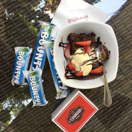 Skrumptious: Bounty Brownie