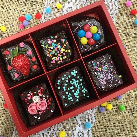 Skrumptious: Birthday Brownie Box