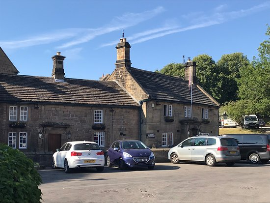 Beeley, UK: A view of the front of the Inn