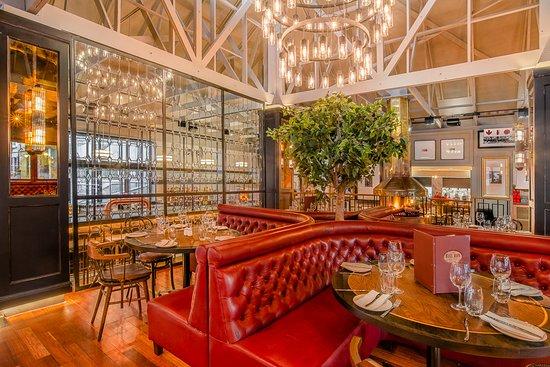 The Bull Run Restaurant: The Bull Run interior with firepalce