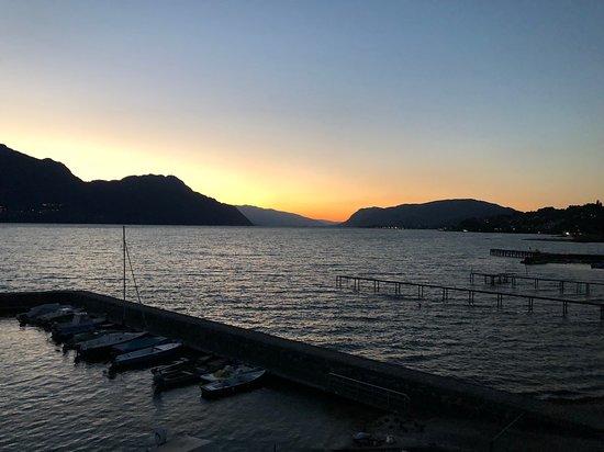 Week-End Hotel : Vue depuis la chambre au coucher du soleil