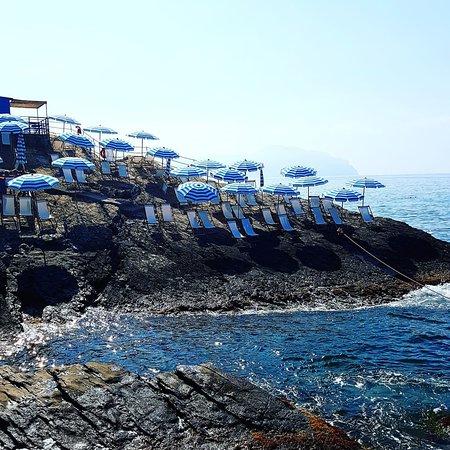 Bagni scogliera on the rocks genova ristorante recensioni numero di telefono foto - Bagni chimici genova ...