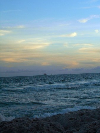 Gulf Shores Plantation: Sunset at the beach