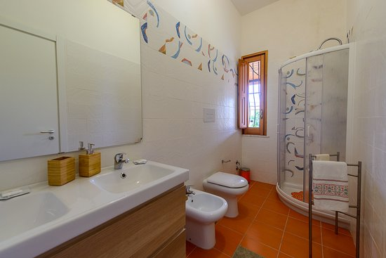Vistamare Maison: BAGNO ORANGE-ROOM