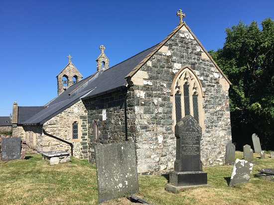 ‪St Gwyndaf's Church‬