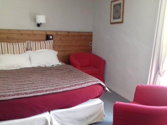 Hotel Alliey Et Spa Piscine: Chambre 2 coeurs