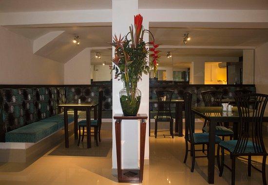 Hotel Calima Real: Restaurante.