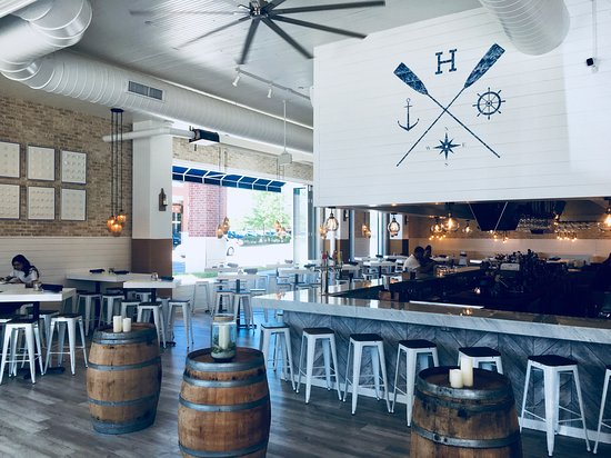Burr Ridge, IL: Nautical Bar design