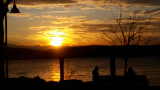 Ossining, NY: Sunset from Louis Engel Waterfront Park