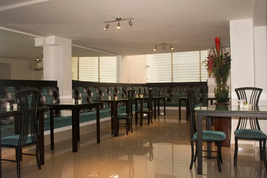 Hotel Calima Real: Disfruta en nuestro restaurante de un delicioso desayuno americano tipo bufet.