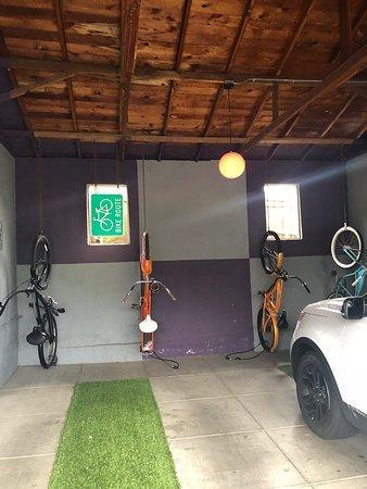 The Motor Lodge: Carport and bikes to borrow