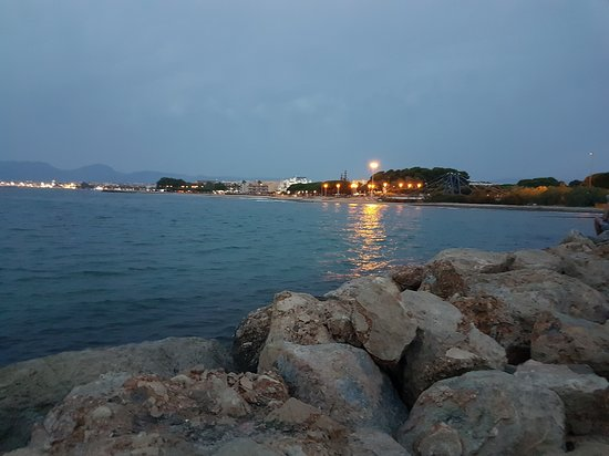 Campsite Platja Cambrils : Playa delante del camping