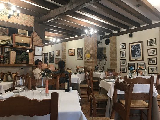 Puerta Grande: Nice restaurant set up