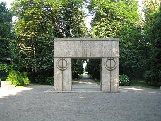 The Gate Of The Kiss