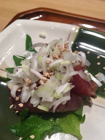 Kyubey Ginza Honten: Up close- The dicing of the leeks and onions was awesome to see