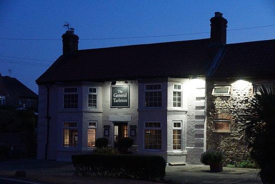The General Tarleton Inn: Original 200 year old inn on the left, new 'hotel wing' on he right.