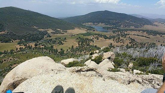 Descanso, Kalifornia: nice vew from Stonewall Peak towards lake Cuyamaca
