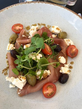Pebble Beach Restaurant: Prosciutto with feta cheese and olives