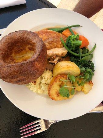 Pebble Beach Restaurant: Roast chicken
