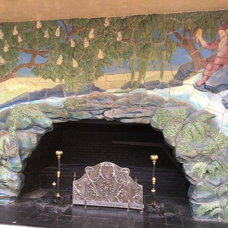 Wedholms Fisk: Beautiful West Baden Springs Hotel