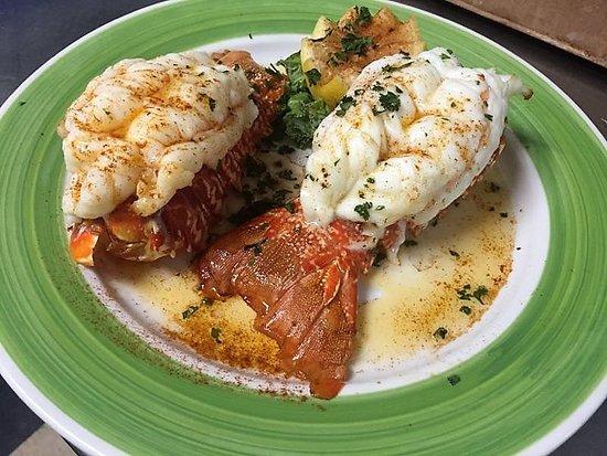 Blasdell, Estado de Nueva York: Our Double Lobster Tails are to die for!!!