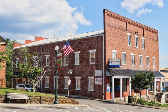 Stuart, VA: Hotel Exterior