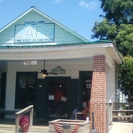 Juliette, GA: The Whistle Stop Cafe