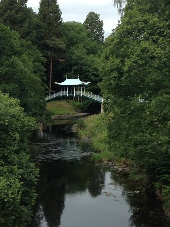 Dumfries House: On the river