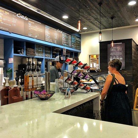 Summer Moon Coffee Bar - North Austin照片