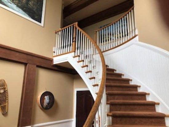 House Mountain Inn: Foyer Entrance