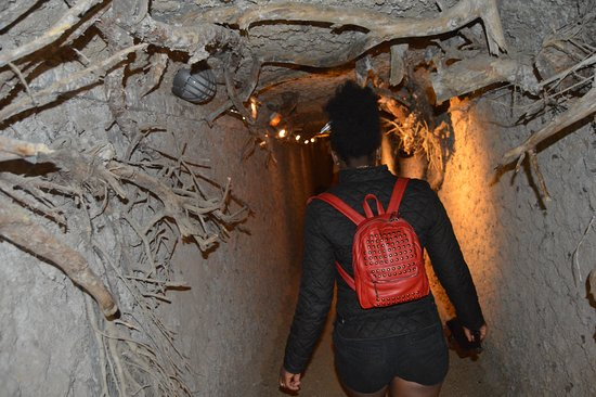 Zutendaal, België: Tunnels