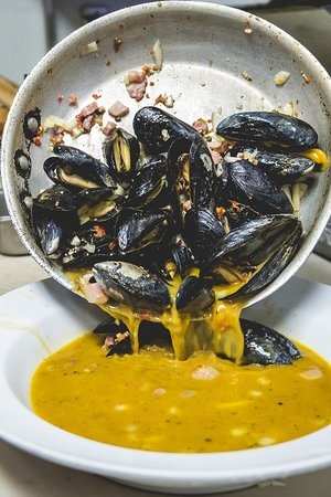 East Longmeadow, MA: Our Zuppa Di Clams or Mussels appetizer is to-die-for!
