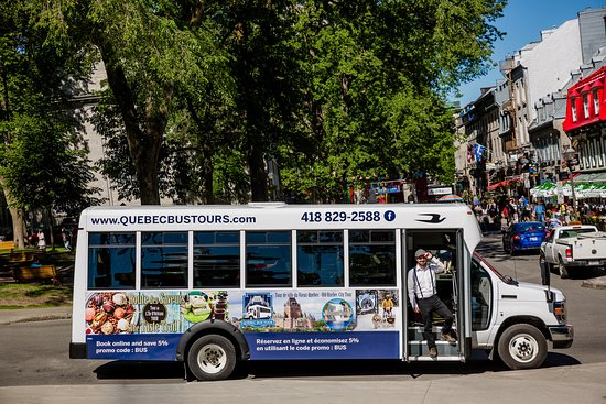 ‪Quebec Bus Tour‬