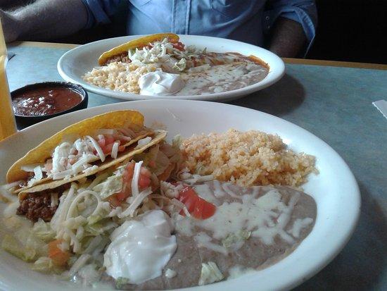 Las Delicias: Taco plates