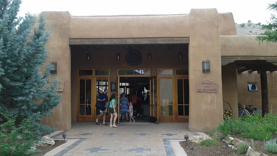 Ojo Caliente Mineral Springs Resort and Spa: Entrance