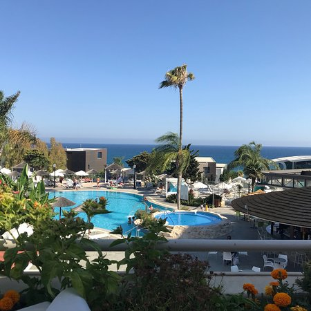 Atlantica Bay Hotel: From the poolside towards the sea