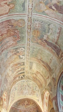 Hrastovlje, Slovenia: the roof painted with frescoes from the VX century