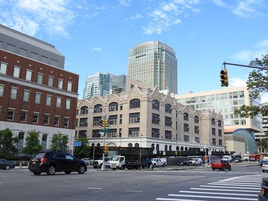 Hampton Inn Brooklyn/Downtown: En bit från hotellet