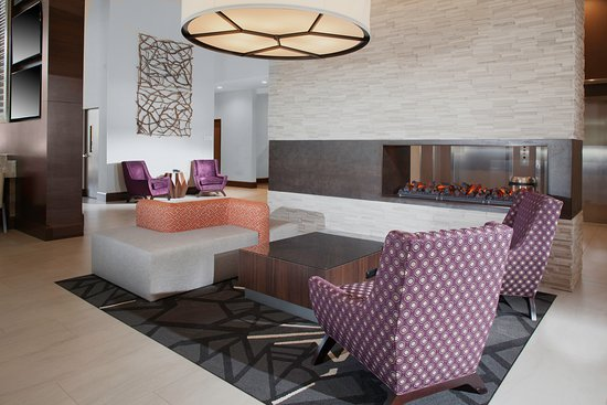Hilton Garden Inn Charlotte Waverly: Relax and unwind in our lobby